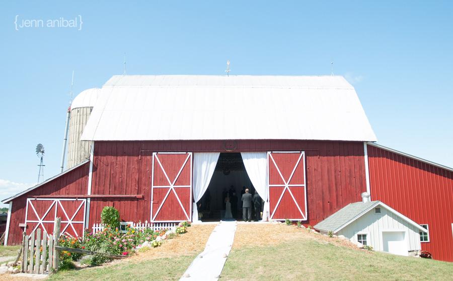 Northern-Michigan-Farm-Wedding-42