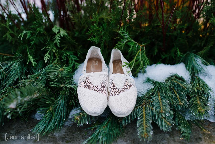 Holland-Michigan-Winter-Wedding-Photography-10