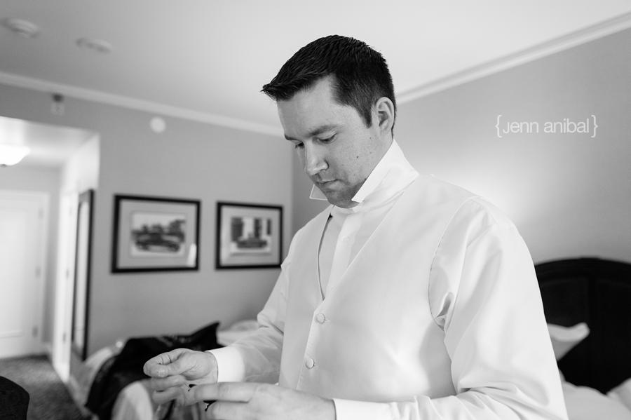 Dearborn-Inn-Wedding-Photography-019