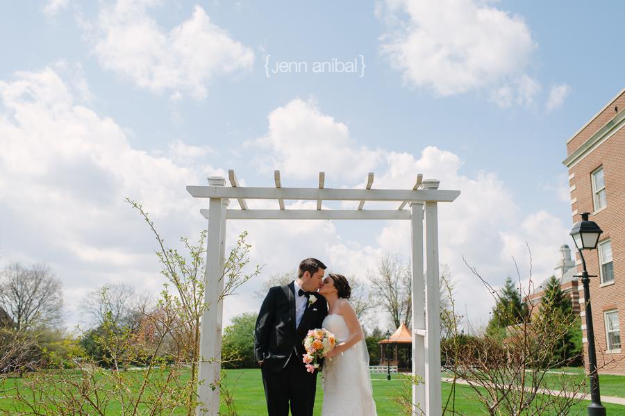 Dearborn-Inn-Wedding-Photography-043
