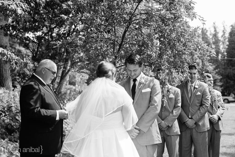 Leland-Wedding-Photographer-050